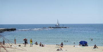 Las playas de Sant Martí serán territorio sin humo a partir del verano.