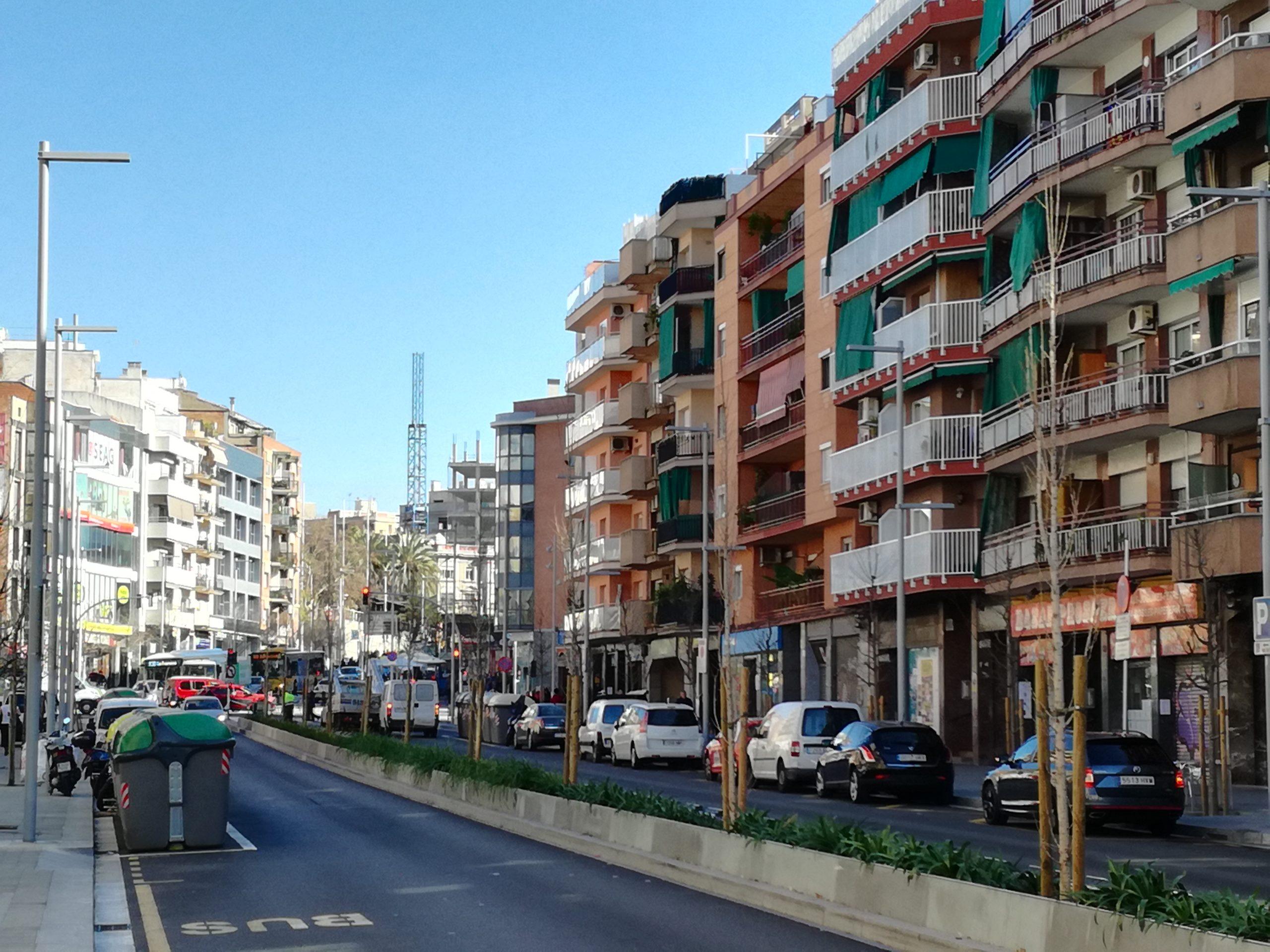 El comercio local es el principal sector económico de Santa Coloma.