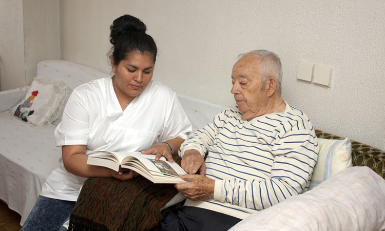 La Associació de Familiars de Malalts d'Alzheimer cumple 25 años