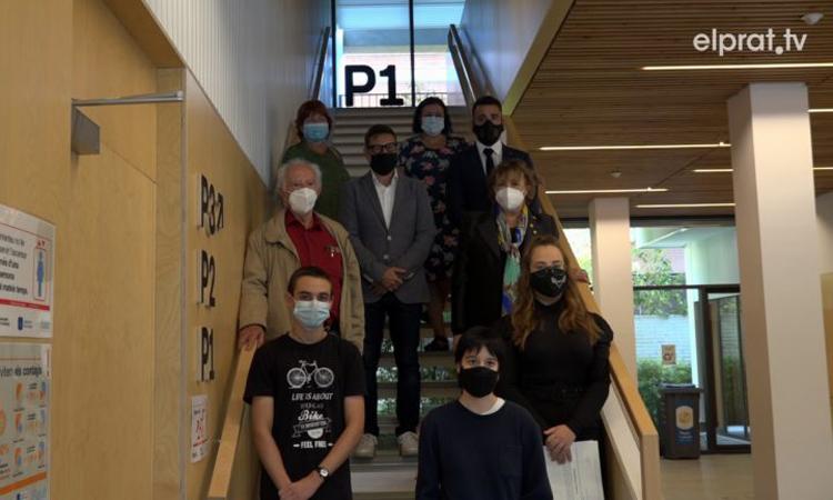 Rotary Club ha becado a tres estudiantes excelentes - Foto: ElPrat.tv