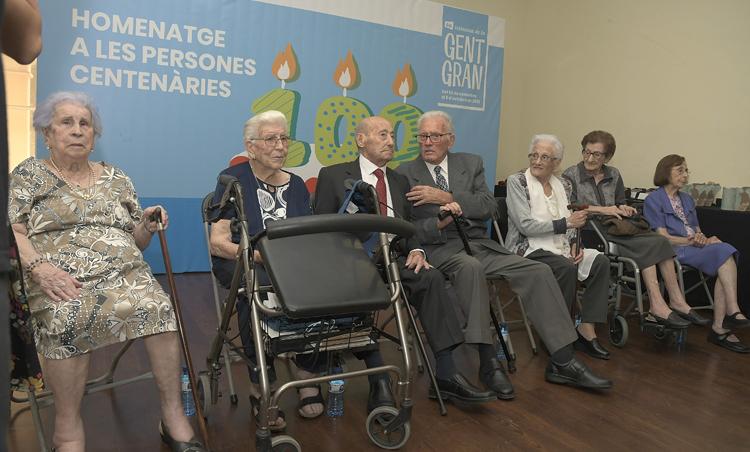 Algunos centenarios participaron en la fiesta de homenaje
