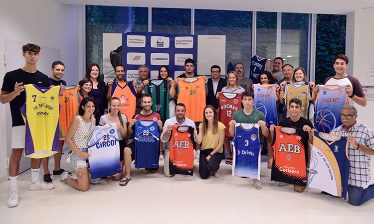 Las jóvenes promesas de la ciudad han participado en la Copa Badalona de Baloncesto