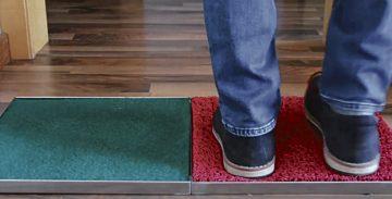 """Marta Villanueva diseñó esta alfombra """"mágica"""" capaz de desinfectar las suelas de los zapatos."""