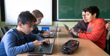 Ninguna familia se quedará sin ordenador ni conexión a Internet.
