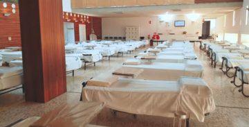 Numerosos espacios del centro se han transformado en salas para enfermos de covid-19.
