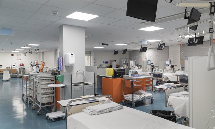 El hospital dobla las instalaciones dedicadas a hemodiálisis.