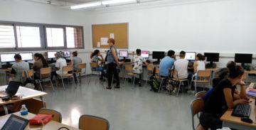 Los centros complejos, como el Institut Escola de La Mina, son vitales para garantizar la educación de los chavales.