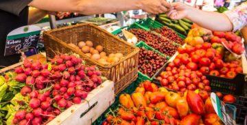 El mercat de pagès de Gavà ofrece productos frescos de los payeses del Baix Llobregat.