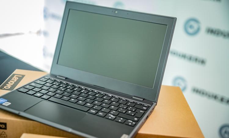 La empresa Indukern ha regalado 100 ordenadores para facilitar la igualdad de oportunidades en El Prat.