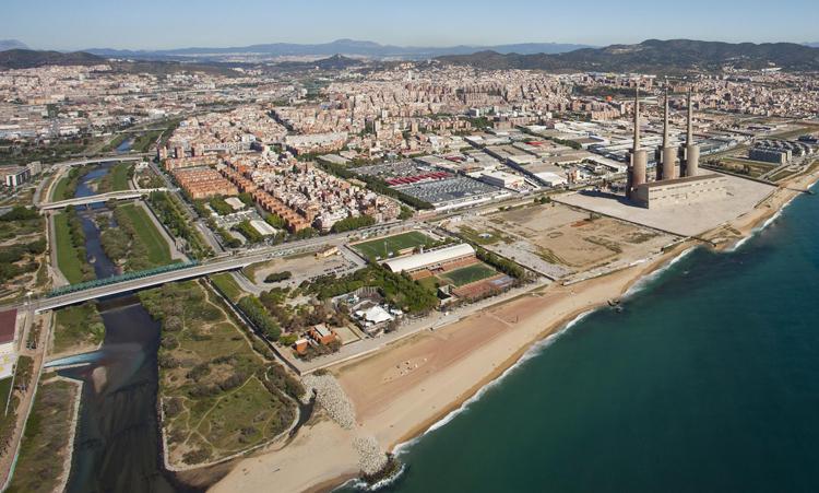 Municipios y administraciones públicas catalanas se unen para mejorar la calidad del agua del río Besòs.