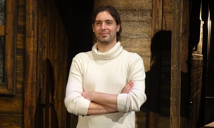 """Entrevista a Sergi Ots, director de teatro: """"Necesitamos espectáculos que nos toquen de alguna manera"""""""